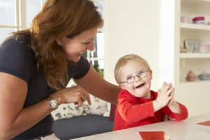 Formation-AES-DEAES-accompagnement-enfants-adultes-Agen